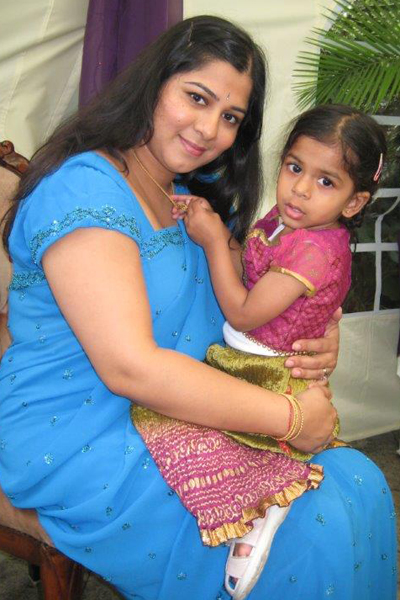 Deepa with her daughter